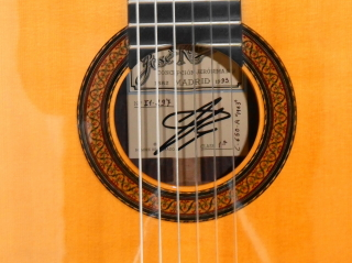RAMIREZ 1A, Spruce, Indian rosewood  1993 Price : 4,350.00